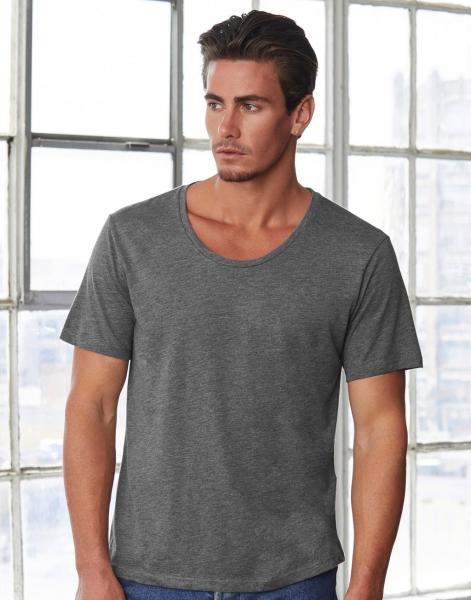 Camiseta cuello ancho hombre
