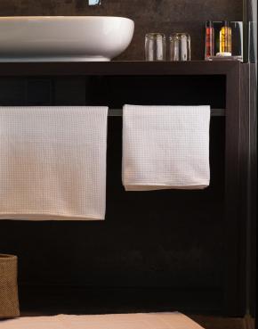 Constance 70x140 Bath Towel